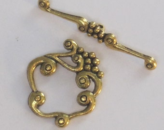 Antiqued Gold Plated Pewter Toggle Clasp 27 x 24mm  (Qty 1)    75-4-110