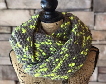 Gray Infinity Scarf / Handmade Scarf / Chunky Knit Scarf / Chunky Knit Cowl / Chunky Neck Warmer / Gift For Her / Loop Scarf / Knit Scarf