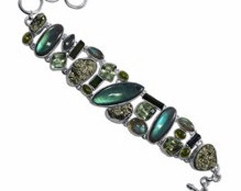 Beautifu Handmadel Green Jewel Bracelet