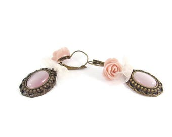 Boucles d'oreille longues, Boucles d'oreilles roses, Boucles d'oreille dormeuses, Boucles d'oreille romantiques, Boucles d'oreille laiton