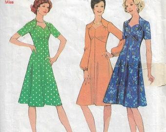 "Sewing pattern - dress pattern - vintage sewing pattern -  Size 10 & 12  - Bust 32.5 - 34"" - 1970s retro pattern"