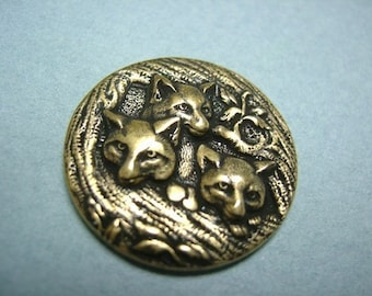 3 Pieces of 3 Foxes in the Den Stampings in Brass OX Color -- 21mm