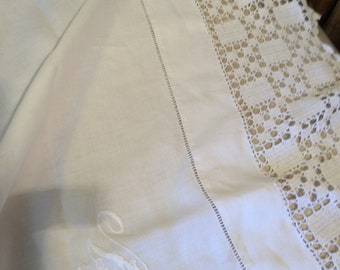 Monogrammed 'm' or 'w' handworked embroidered crochet 48 ins square edwardian tablecloth