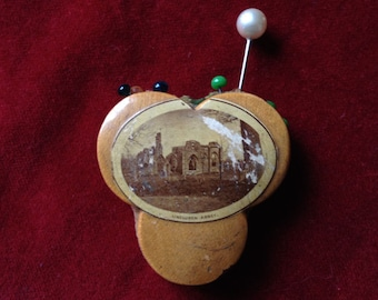 VICTORIAN MAUCHLINE clover shape, view of a castle in scotland