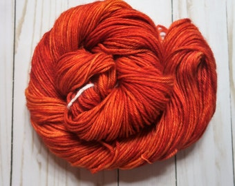 Fire (100% Peruvian Highland Wool, Worsted Weight, 220 yd/100 g)