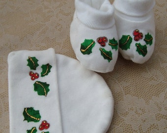 Preemie Holiday Booties and Cap Holly Leaves with Berries Red and Green