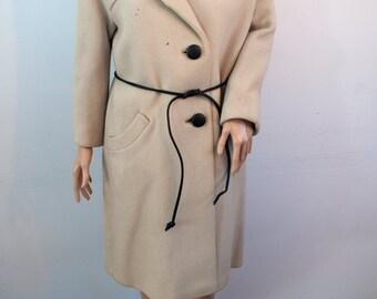 Vintage 1960s ivory wool coat