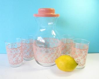 Pink Juice Carafe Set - 4 Juice Glasses - Blush Pink Lace Pattern - Breakfast Table -  Mid Century Kitchen - Pristine - Vintage 1960's