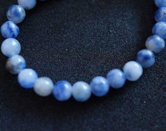 43 H2024 4mm SODALITE beads