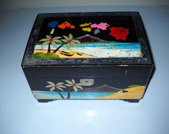 Vintage 1950's Musical JEWELRY BOX with Hawaiian Motif