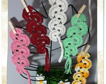 Crocheted bookmark * postage available