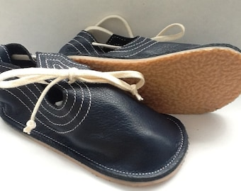 Children's loafer in navy leather
