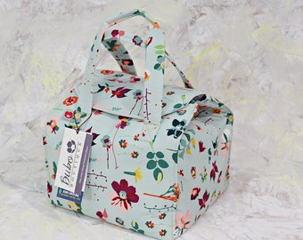 Reusable, Insulated  bento box Lunch Bag, BPA Free, white waterproof lining, green work lunch, washable, school lunch, flower, ready to ship