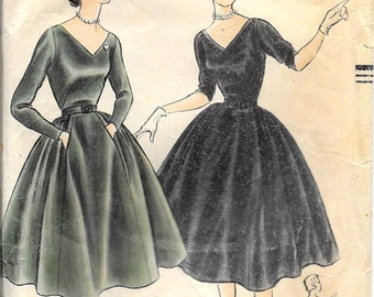 VOGUE 3438 Size 13 Bust 31 1/2 Deep V-Neck Long Sleeves 5-Piece Gathered & Pleated Full Skirt Vintage 1950's Pattern
