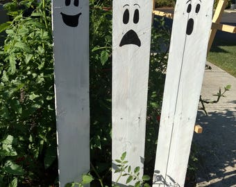 Halloween Pallet Ghosts, Halloween Yard Sign, Rustic Halloween Decorations, Three Kid Friendly Ghosts, Halloween Yard Stakes