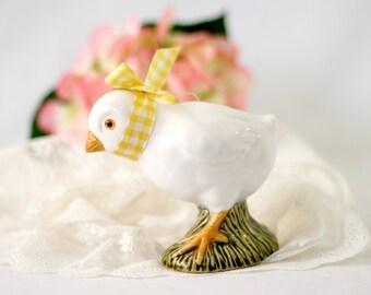 Vintage Porcelain Baby Chick Figurine, Farmhouse Decor by Sigma Tastesetter Japan Hand Decorated Knick Knack