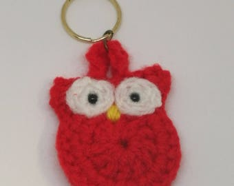 Red owl crochet keyring