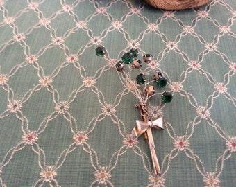 Vintage Emerald Green Floral Brooch