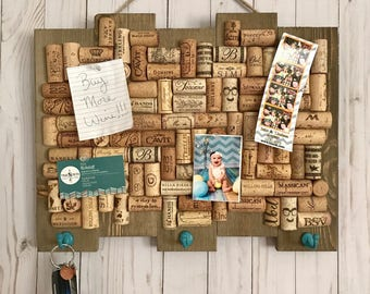 Wine cork bulletin board, key ring holder, rustic home decor, wine lover gift, entryway decor, housewarming gift