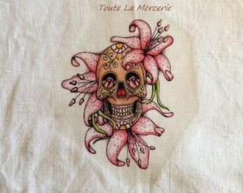 Transfer to fabric, skull