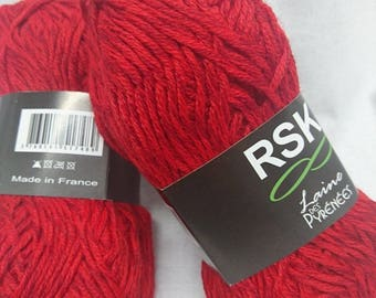 10 balls of yarn / red somewhat tweede / made in FRANCE