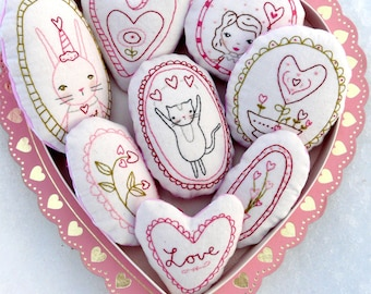 Sweetest LOVE Ornaments embroidery Pattern - PDF Shabby chic stitchery valentine heart primitive ornies bowl fillers