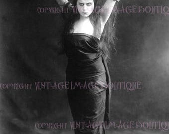 Antique B&W Photo Portrait Of Theda Bara The Orignal Vamp Coquette C.1915  5x7 Greeting Card