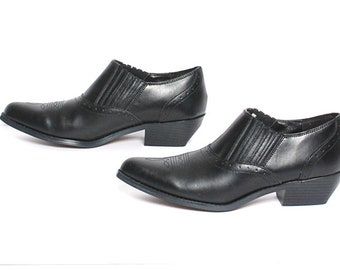 size 10 CHELSEA black leather 80s 90s WESTERN pointy slip on ankle boots