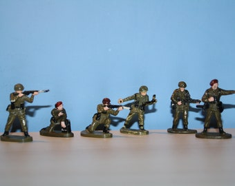 Vintage Toy soldiers Infantry figures 1980 year