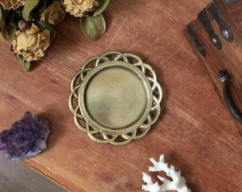Vintage brass dish | flower like brass dish | candle holder | antique trinket dish