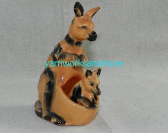 Kangaroo Salt & Pepper Shakers, Kangaroo And Joey Salt And Pepper Shakers, Kangaroo Figurines, Kangaroo Lover Gift