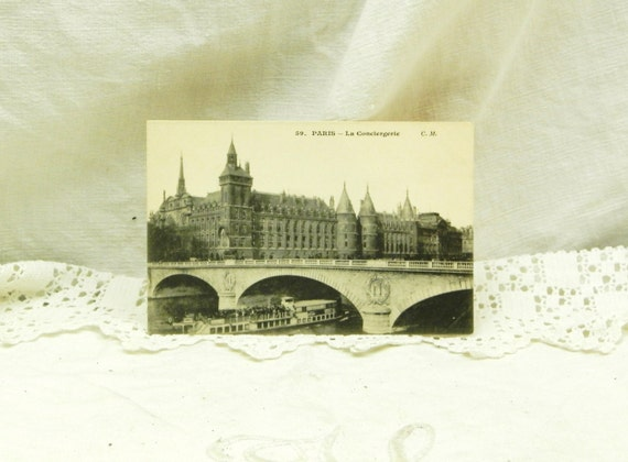 French Antique Unused Black and White Postcard, Le Conciergerie and the River Seine in Paris 1900s, Retro Parisian Tourist Vacation Picture