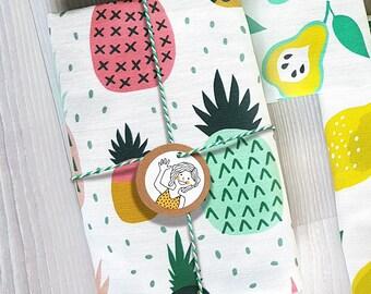 Pineapple Kitchen Tea towel fruit white, linen cotton / theedoek - design by Heleen van den Thillart