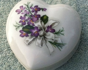 Liette International Porcelain heart shaped trinket box