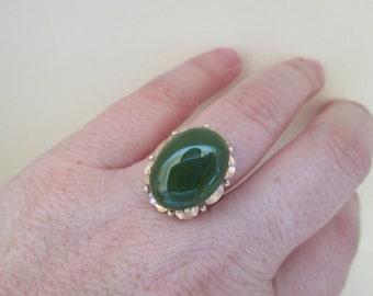 Gorgeous Green Vintage Jade 18K Gold Ring