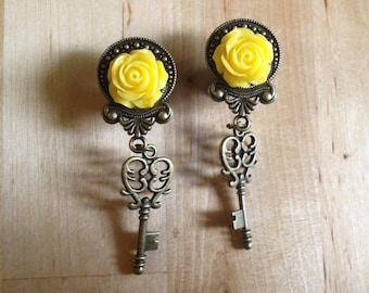 "2g - 1/2"" (6mm-12mm) / Victorian Key / Plugs Gauges Stretchers Earrings / Stretched Gauged Ears"