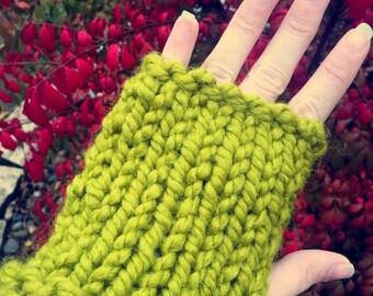 Fingerless Knit Gloves - Green