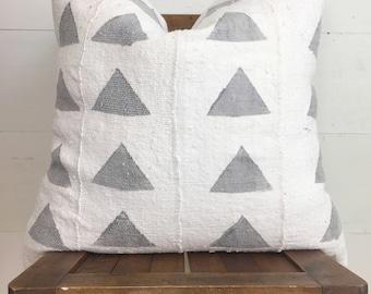 Authentic African mudcloth cream w/ large grey triangles / boho / modern / urban
