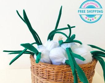 Felt Vegetables / Felt onion / Felt Play Food set / Pretend Play / Kids garden set / Play Kitchen food