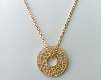 Necklace chiseled - plated ring gold 18 k / 750 millemes
