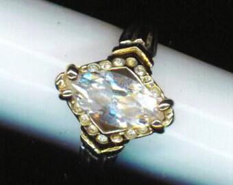 Vintage 18 K white GF Ring . Engagement Ring . Designer Ring . Rhinestone Ring . Sparkling Zirconia - Classy Beauty by enchantedbeas on Etsy
