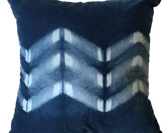 FREE SHIPPING,blue throw pillow, blue throw pillow cover, blue pillows, navy throw pillows, indigo dyed pillows, Chevron