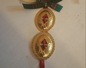 Set of four Very pretty christmas ornaments!