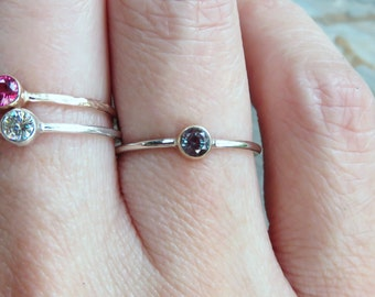 3mm Tiny Alexandrite Ring in Solid 14k Yellow, Rose, or White Gold, Hammered or Smooth Band, June Birthstone Stacking Ring, Lab Alexandrite