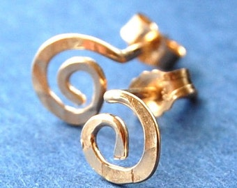 Gold Studs / Gold Spiral Earrings / Unique Stud Earrings / Spiral Studs / Dainty Earrings in 14 Karat Yellow Gold Fill