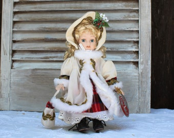 Ceramic/collectible/Christmas/doll. Poland. 2001. Dolls of the world Collection. Barbara Lee. Pretty! Art deco.