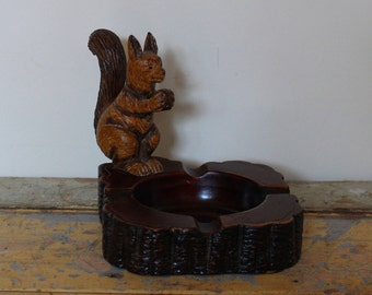 Syroco Wood Composite Squirrel Ashtray
