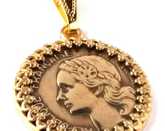 France Jewelry 10 Francs Coin Pendant Woman Rooster Chicken Laurel Gold Color 1950 - 1959 France Necklace French Coin Birthday Gift for Her