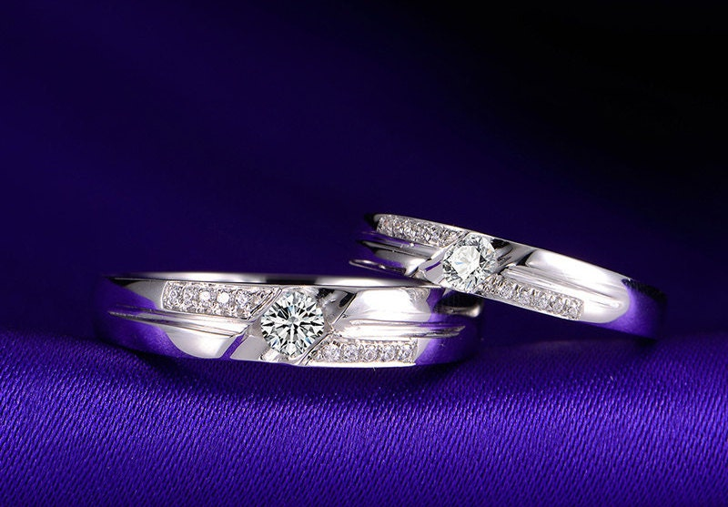 Hand in Hand 18k White Gold Diamond Wedding Ring Band Matching Set