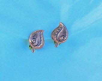 Vintage copper Leaf earrings Retro
